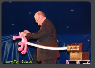 Ballonkünstler Tom Bola