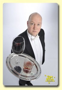 Comedy-Butler Tom Bola