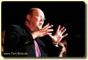 Konzertmoderation mit Tom Bola