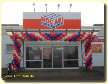Luftballondekoration bei Geschäftseröffnung Getränkemarkt Oldenburg